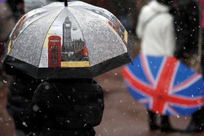 Britain steps up battle against money laundering