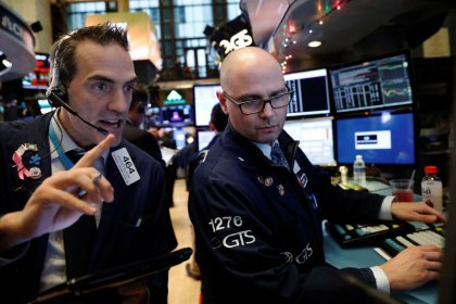 S&P, Dow rise with help from banks; Nasdaq lags