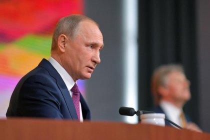 Путин сделал предвыборный подарок россиянам, пообещав списать долги