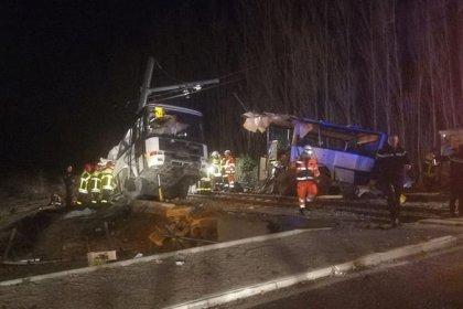 Collision entre un bus scolaire et un TER, 4 morts