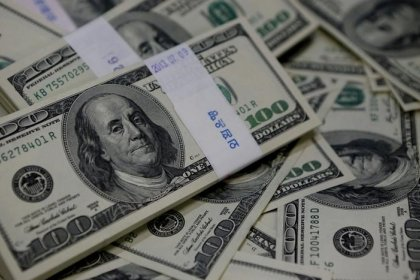 Dollar stutters on tax bill wrangling, ECB stance weighs on euro
