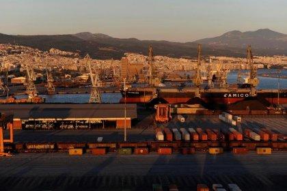 Греция отложила подписание сделки о продаже порта Салоники после новости о санации Промсвязьбанка