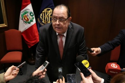 Peru central bank head suggests he is disappointed in Kuczynski