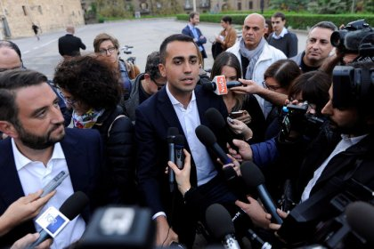 Italy 5-star party keeps option on euro referendum open