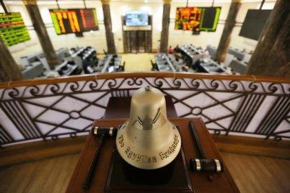 بورصات الخليج تتراجع في تعاملات هزيلة ومصر تصعد لمستوى قياسي