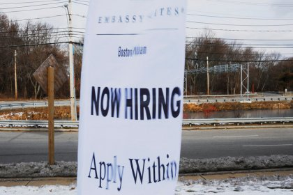 U.S. jobless claims steady in latest week