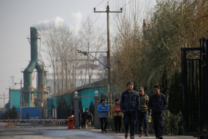 China December factory growth seen slowing only slightly despite smog war