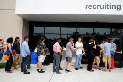 U.S. private sector adds 250,000 jobs in December, biggest rise since March