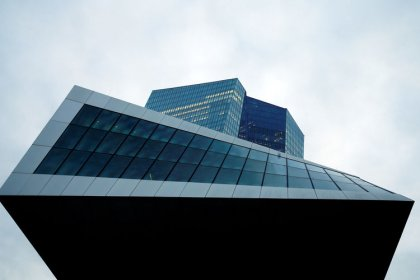 Bond markets look beyond easy ECB money to first rate rise