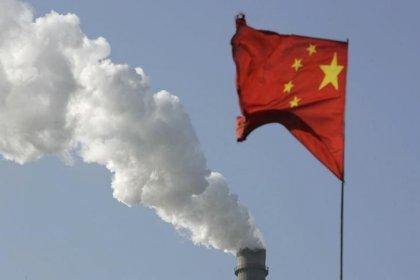 Importações e exportações chinesas desaceleram em dezembro