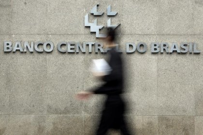 Atividade econômica do Brasil acelera e avança 0,49% em novembro, mostra BC