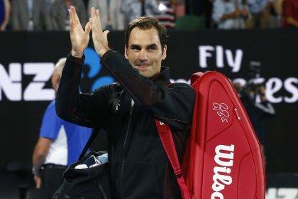 Sublime Federer breezes through Melbourne opener