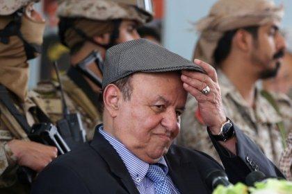 اليمن يطلب سيولة سعودية مع انحدار عملته وتفاقم ويلات الحرب