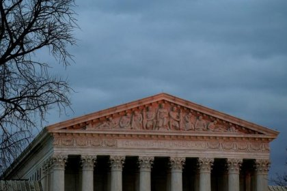 Supreme Court blocks redrawing of North Carolina congressional maps