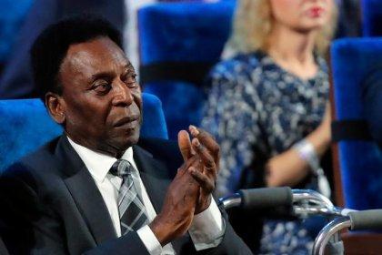 Pelé se desmaya por cansancio y cancela evento en Londres