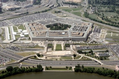U.S government shutdown would increase Pentagon's weapons costs