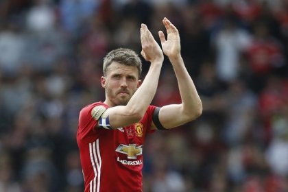 Manchester United's Carrick to retire at end of season, take coaching role
