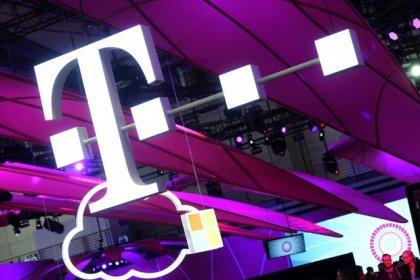 Deutsche Telekom expects steady dividend hikes: paper