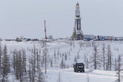 Нефть в плюсе благодаря комментариям С. Аравии, снижению числа буровых в США