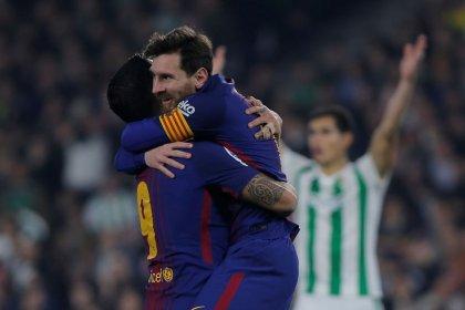 Messi y Suárez lideran el triunfo del Barça sobre el Betis