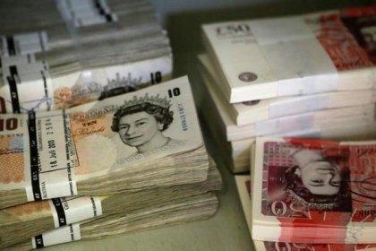 الجنيه الاسترليني يسجل أعلى مستوى في 19 شهرا أمام الدولار