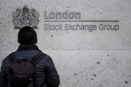 """Les Bourses européennes clôturent en hausse, le M&A éclipse le """"shutdown"""""""