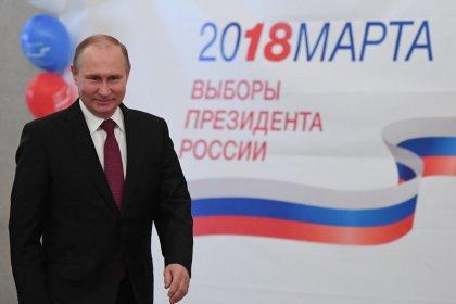 Путин побеждает на выборах президента с более чем 70% голосов -- exit poll