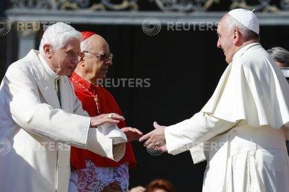 Vaticano, si dimette capo comunicazione per scandalo lettera modificata