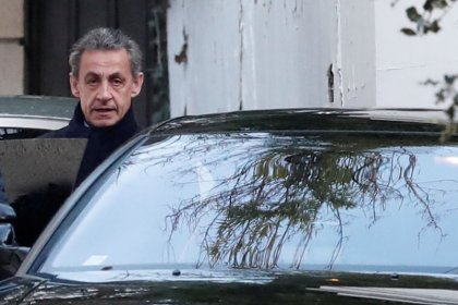 Fin de la garde à vue de Sarkozy, l'ex-président devant les juges
