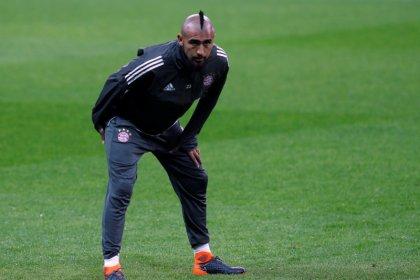 Vidal passará por cirurgia no joelho e ficará ausente no curto prazo, diz Bayern