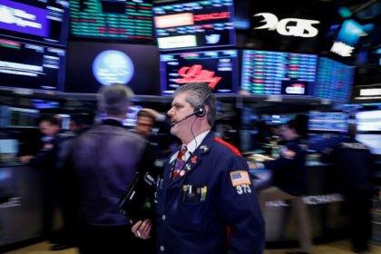 Ações de energia e transportes impulsionam Wall Street; IBM cai