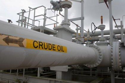 Oil climbs on Saudi price ambitions and U.S. stocks draw