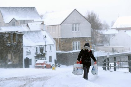 UK retail sales slide in first-quarter after March snow