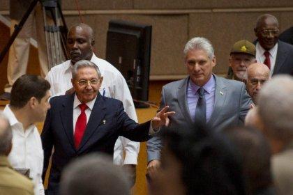 Parlamento de Cuba elege Díaz-Canel para substituir Raúl Castro como presidente