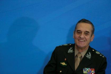 Corrupção e impunidade são reais ameaças à democracia, diz comandante do Exército