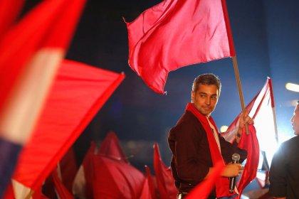Filho de personagem central da ditadura é favorito em eleição presidencial do Paraguai