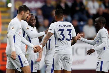 Chelsea derrota Burnley com gol de Victor Moses