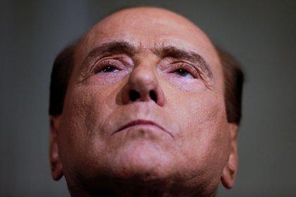 Berlusconi ataca 5 Estrelas e pede governo italiano com centro-esquerda
