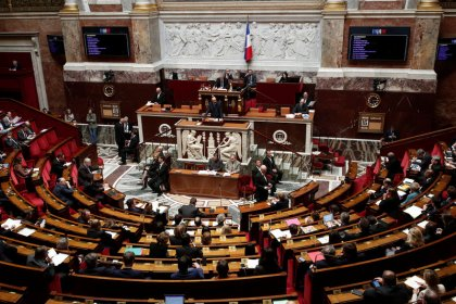 Les députés votent l'allongement de la rétention des étrangers