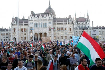 Thousands of Hungarians protest against Orban's media control