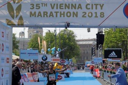 Athletics - Bounasser wins Vienna marathon as Kimetto drops out