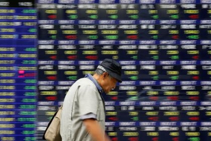 Asia stocks struggle as U.S. yields near 3 percent; oil stays high