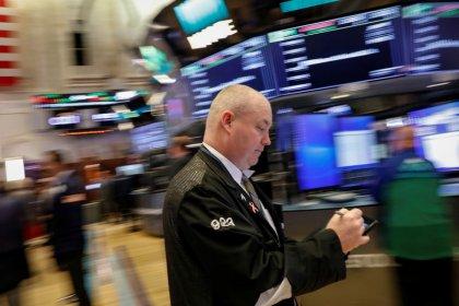 Wall Street portée par les techs, Facebook en tête