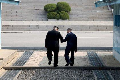 Coree, sudcoreano Moon: Trump dovrebbe vincere Nobel per la pace