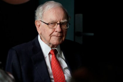 Buffett bashes bitcoin as thriving on mystique, favors stocks