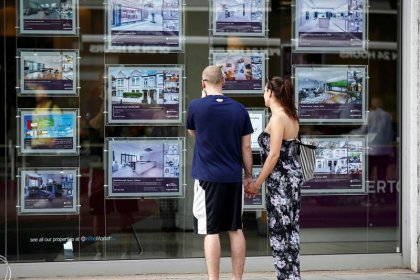 UK housing market cools unexpectedly in April - Halifax