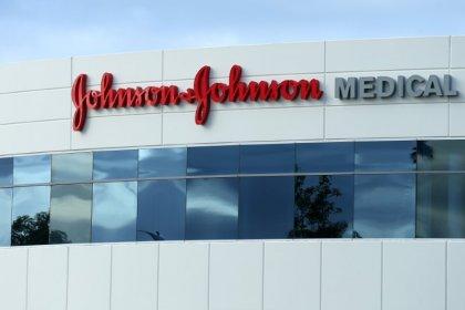 Investors ready to resuscitate Johnson & Johnson's ailing stock