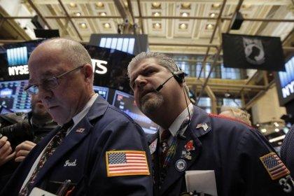 Wall Street dans le rouge, le risque de guerre commerciale monte
