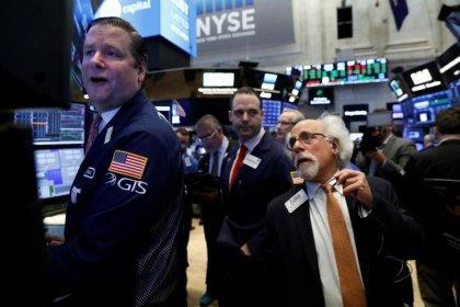 Wall St ébranlée par la guerre commerciale, le Dow dans le rouge
