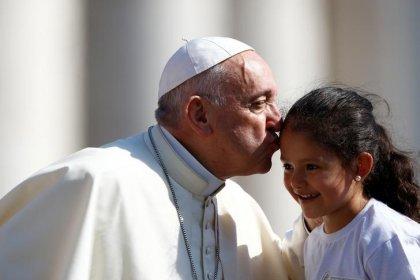 ESCLUSIVA - Papa Francesco critica politiche Trump su famiglie migranti